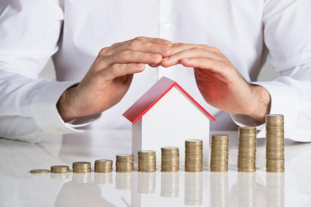 W sytuacji, gdy domowy budżet się kurczy, zawieszenie rat kredytu może się okazać przysłowiową ostatnią deską ratunku.