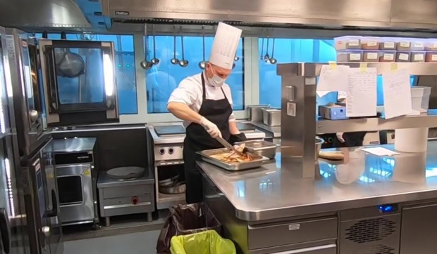 Codziennie przygotowywane są tam posiłki dla gdańskich szpitali.