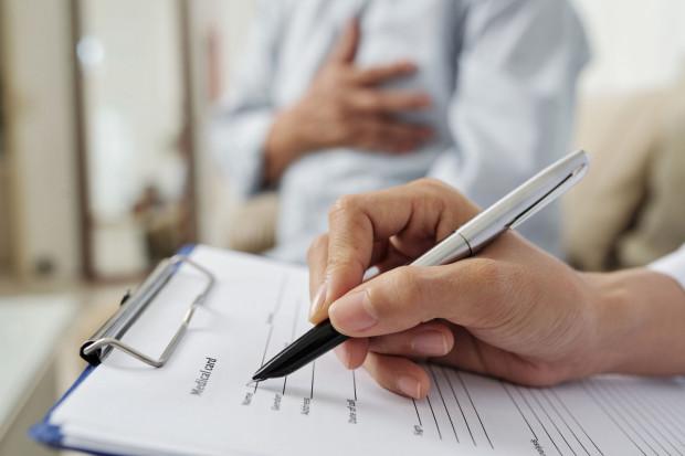 Nie każdą konsultację można przeprowadzić przez telefon czy wideorozmowę, bo pacjent może potrzebować badania fizykalnego.