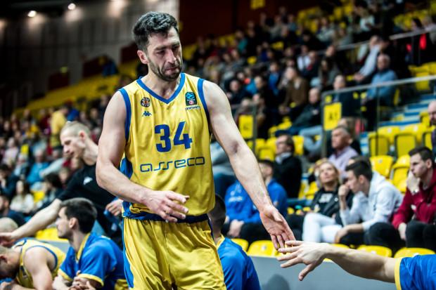 Adam Hrycaniuk jest członkiem Związku Zawodowego Koszykarzy, do którego należą również m.in. Marcin Gortat, Adam Waczyński, Łukasz Koszarek, Szymon Szewczyk i Kamil Łączyński.