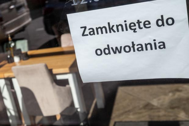 Od kilku tygodni Polska jest zamknięta - do odwołania. Kiedy nastąpi restart? Nie wiadomo.