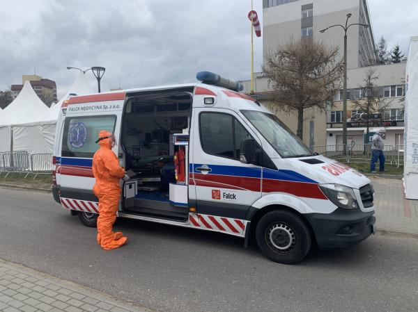 Polska znalazła się wśród państw o najwyższym odsetku zakażonego personelu medycznego w ogólnej liczbie zakażonych - 17 %.