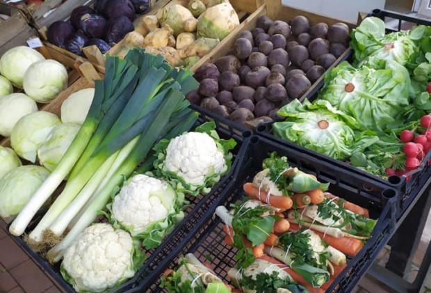 Minimalna kwota zamówienia warzyw i owoców u pani Klaudii to 60 zł. Dowóz wliczony jest w cenę.