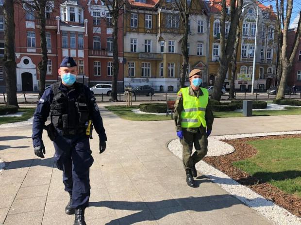 Na ulicach będzie można spotkać wspólne patrole policjantów, strażników miejskich i żołnierzy.