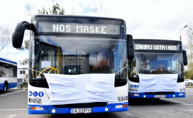 Autobusy w wielkich maseczkach kursują w Gdyni na dwóch liniach: R oraz 141.