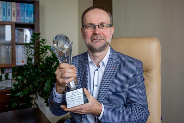 Michał Hałas zakładał stowarzyszenie International Project Management Association Polska (IPMA Polska) za co niedawno otrzymał prestiżowego Atlasa Project Managementu. W ostatnich latach krzewi wśród inżynierów umiejętności innowacyjnego myślenia.