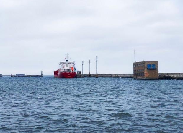 Pierwszy morski transport oleju napędowego trafił do portu w Gdyni.