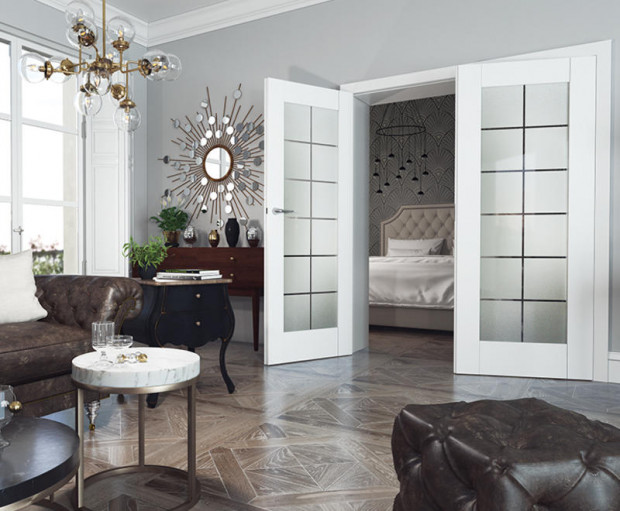 Drzwi Asilo Vinci świetnie wpasowują się w luksusowe, pełne dodatków i zdobień wnętrze.