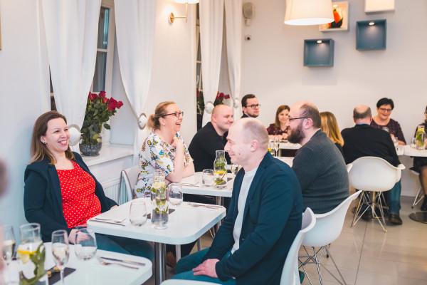 Część z moich rozmówców chętnie poczekałaby na wolny stolik w restauracji.