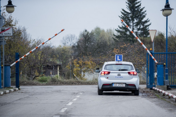 Zdaje się, że jeszcze w maju na ulice wyjadą samochody egzaminacyjne.