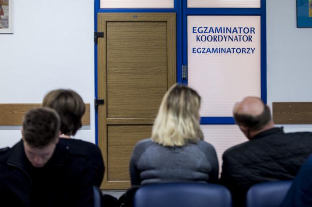 W obecnej sytuacji do budynku PORD będzie mogła wejść wyłącznie osoba przystępująca do egzaminu na prawo jazdy.