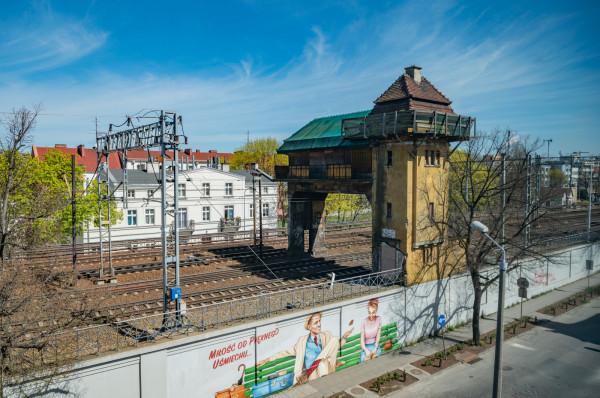 Zabytkowa nastawnia bramowa we Wrzeszczu doczeka się w przyszłym roku remontu.