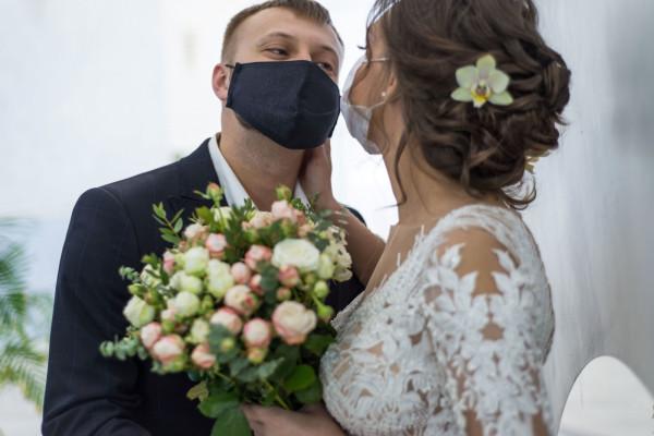 Ślub i przyjęcie weselne planowane są zwykle przez wiele miesięcy.