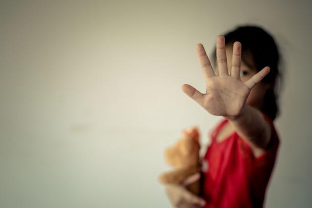 W obecnej sytuacji ofiara przemocy domowej nie ma dokąd uciec ani gdzie się skryć. Jak więc chronić się przed przemocą domową w czasie pandemii i kwarantanny?