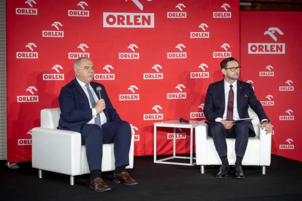 PKN Orlen zakupił akcje Grupy Energa stanowiące ok. 80 proc. kapitału zakładowego oraz ok. 85 proc. ogólnej liczby głosów na walnym. Na tym jednak nie koniec i jak zapowiedział minister aktywów państwowych Jacek Sasin (na zdjęciu z Danielem Obajtkiem, prezesem PKN Orlen), to nie koniec pomysłów na rozwój Orlenu.