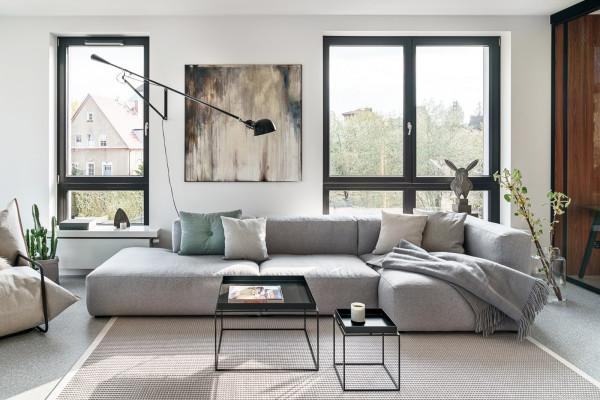Ważną rolę we wnętrzu apartamentu w Sopocie odgrywa sztuka oraz dobry design.