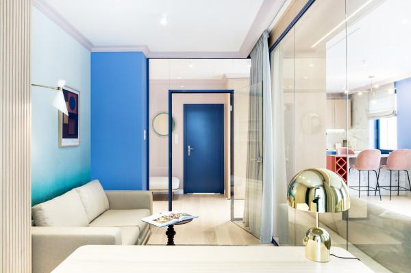 Kolejnym ciekawym projektem jest nadmorski apartament w Sopocie autorstwa Sikora Wnętrza Architektura.