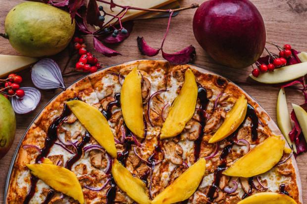 W menu od czasu do czasu pojawiają się też oryginalne smaki, tak jak mango z czerwoną cebulą i sosem teriyaki.