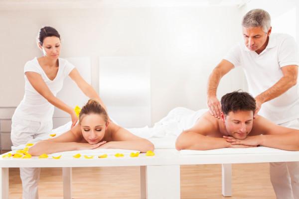 Coraz bardziej popularnym kierunkiem kursów zawodowych jest masaż.