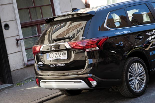 Nowy Mitsubishi Outlander PHEV ma dokładnie takie same wymiary, jak poprzednik.