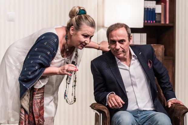 """Spektakl """"Zacznijmy jeszcze raz"""" w reżyserii Tomasza Sapryka będzie można zobaczyć w sieci 9 i 23 maja, jednak tym razem odpłatnie. Koszt wykupienia dostępu to 25 zł."""