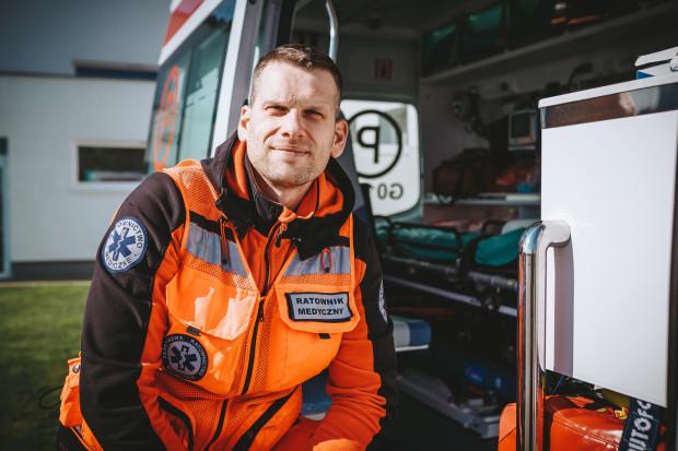Karol Bączkowski od 12 lat pracuje jako ratownik medyczny w pogotowiu ratunkowym.