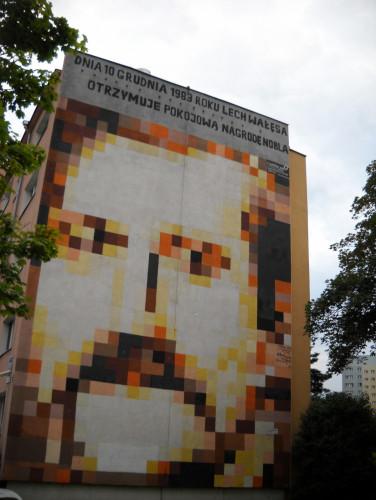 "Mural ""Lech Wałęsa"" (Zaspa, Pilotów 17f)."