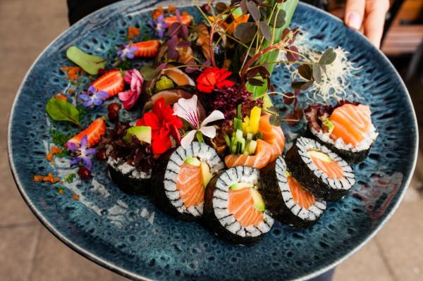W Hashi Sushi można zamawiać gotowe zestawy lub komponować je osobiście.