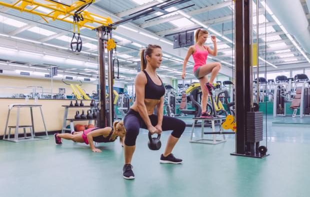 W przypadku przedłużenia lockdownu ponad połowa firm branży fitness nie utrzyma się dłużej niż miesiąc - wynika z raportu Polskiej Federacji Fitness.