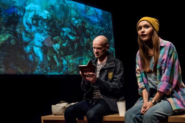"""W sieci dostępne są cztery spektakle Teatru Soho. Wśród nich znalazł się """"Tajemniczy klient"""" w reżyserii Igora Gorzkowskiego (na zdjęciu)."""