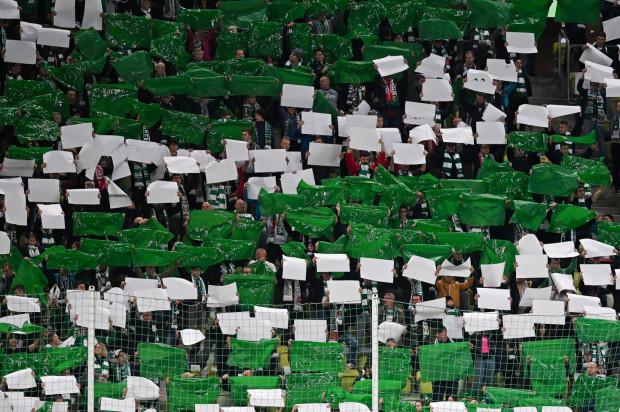 Lechia Gdańsk przygotowała rekompensaty dla ponad 2 tysięcy posiadaczy karnetów, a także tych osób, które mają niewykorzystane bilety na mecze, które będą rozgrywane bez publiczności.