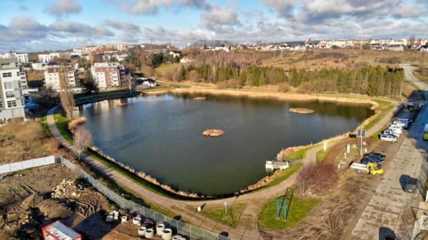Wokół tego zbiornika powstać ma długo wyczekiwany przez mieszkańców tor dla rolkarzy i biegaczy.