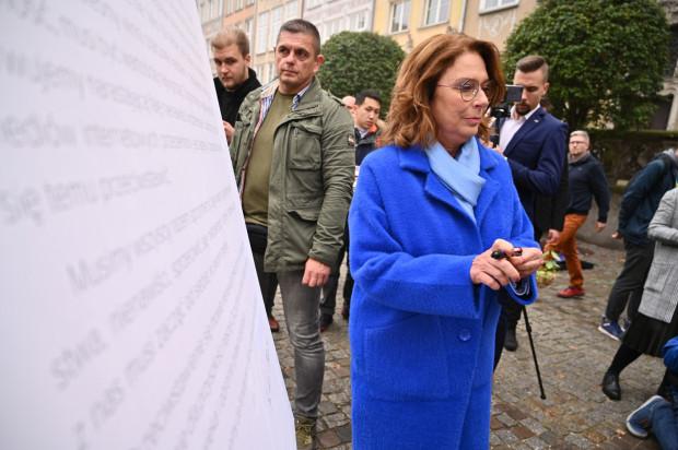 Wycofując się z kandydowania w wyborach, Małgorzata Kidawa-Błońska wzięła na siebie odpowiedzialność za spadki poparcia w sondażach.