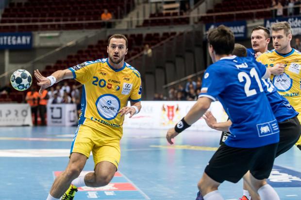Mariusz Jurkiewicz (nr 20) w minionym sezonie miał grać dla Wybrzeża. Ostatecznie został w Kielcach, gdzie skończył karierę z kolejnym mistrzostwem na koncie. Teraz mieszka w Gdańsku i niewykluczone, że w nowej roli pomoże Wybrzeżu.