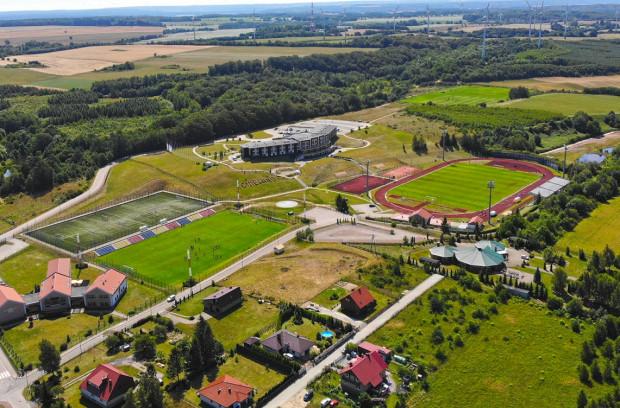 Piłkarze Arki Gdynia w Gniewinie będą trenowali dwa razy dziennie od poniedziałku do piątku.