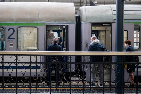 Od piątku do dotychczasowych siedmiu połączeń między Trójmiastem a Warszawą dołączą zawieszone dotąd z powodu pandemii koronawirusa pociągi Pendolino.