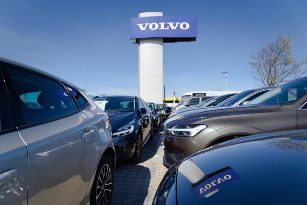 Czas oczekiwania na nowe auto można skrócić - wybierając samochód gotowy do odbioru na placu importerskim.