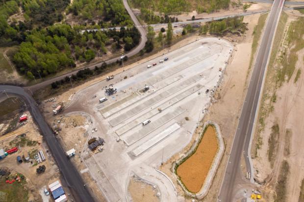 Powierzchnia budowanego właśnie parkingu dla samochodów ciężarowych wyniesie aż 15 tys. m kw.