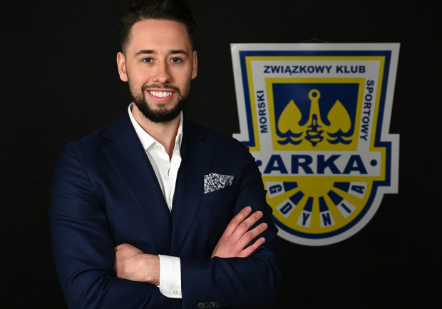 Dokapitalizowanie spółki było jedną z pierwszych decyzji po zakupie pakietu większościowego akcji Arki Gdynia przez Michała Kołakowskiego (na zdjęciu).