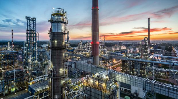 Czy będą zastrzeżenia Komisji Europejskiej w sprawie fuzji Orlenu z Lotosem? Decyzję mamy poznać do 22 lipca.