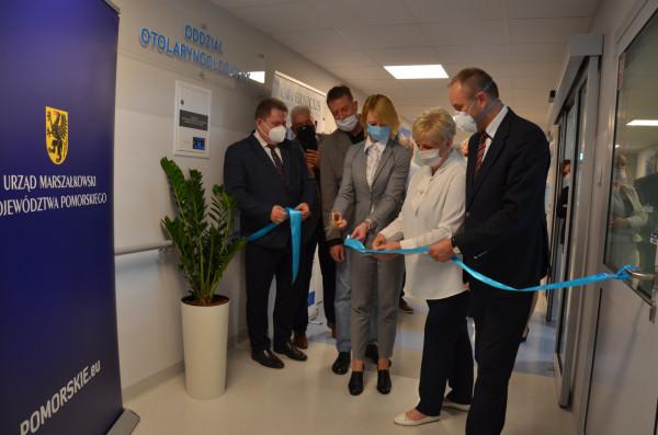 """W kameralnym, symbolicznym otwarciu nowej otolaryngologii w """"szpitalu kolejowym"""" wzięli udział przedstawiciele spółki Copernicus, personel medyczny oraz członkowie Zarządu Województwa Pomorskiego."""
