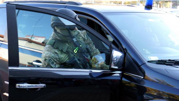 We wspólnej akcji CBA, Służby Kontrwywiadu Wojskowego i Żandarmerii Wojskowej zatrzymano trzy osoby - w tym jedną z Gdańska. Zdjęcie ilustracyjne.