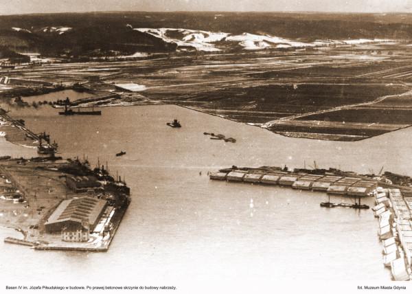 Budowa portu zmieniła nie tylko nabrzeże, ale pozwoliła na szybkie rozwinięcie się wokół niego nowoczesnego miasta.