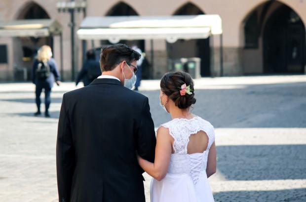 Od 6 czerwca można organizować uroczystości rodzinne i wesela, w których bierze udział do 150 osób.
