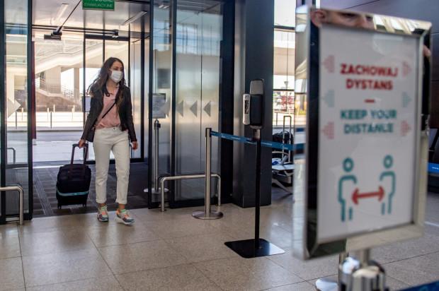Na pasażerów podróżujących z lotniska w Gdańsku czekają nowe zasady