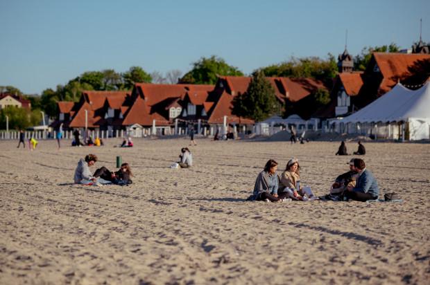 Na trójmiejskich plażach jest coraz tłoczniej.