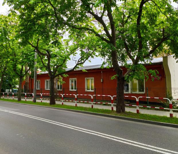 Stuletni budynek przy ul. Witomińskiej 9 w Gdyni, w którym odbywały się zajęcia dla dorosłych osób z autyzmem, wymaga kapitalnego remontu.