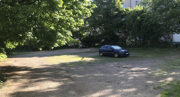 W ostatnich dniach parking opustoszał.