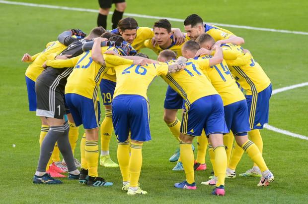 W 10 ostatnich kolejkach sezonu piłkarze Arki Gdynia grać będą nie tylko o własne kontrakty, ale także o miejsca pracy dla klubowych pracowników i współpracowników.