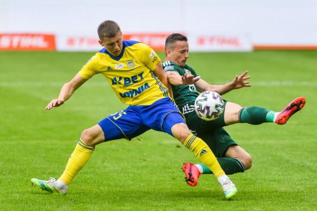 Zaczęło się źle, bo w tej sytuacji arbiter podyktował rzut karny dla Śląsk Wrocław.